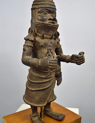 Benin Bronze Guard 1249_0002